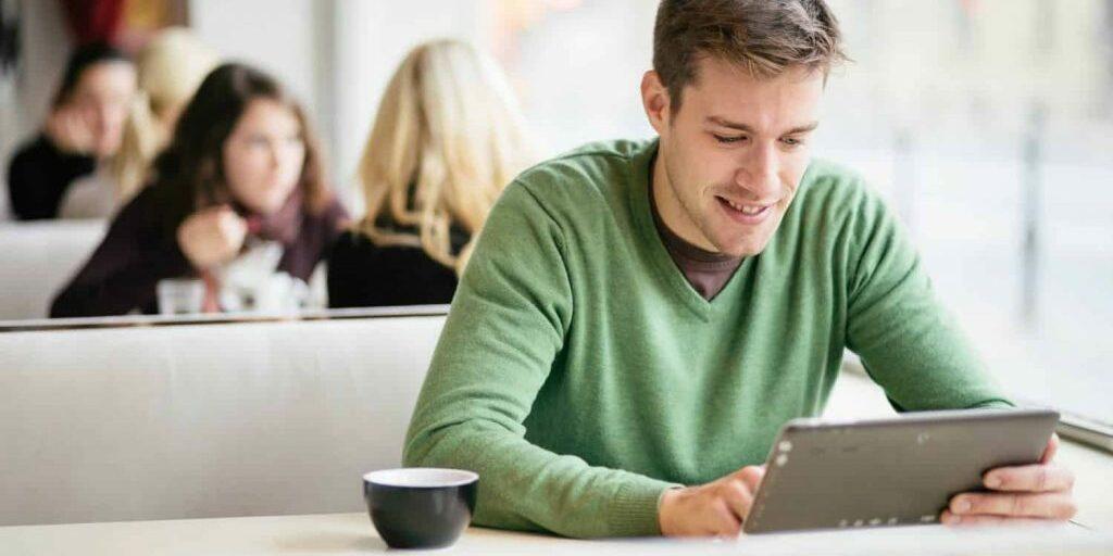 afstuderen afgestudeerd diploma studeren studie opleiding geld studieschuld studiefinanciering