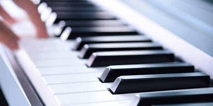 piano advertentie website opgelicht