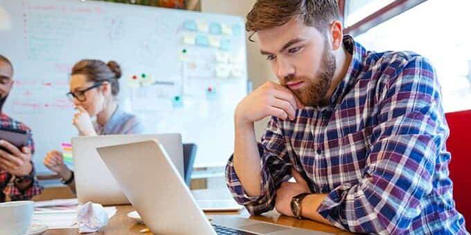 computer werk studie jongeren