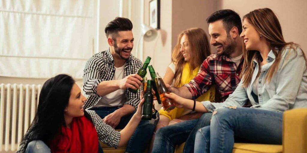 Feestdagen geld besparen vrienden familie vrije tijd cadeaus