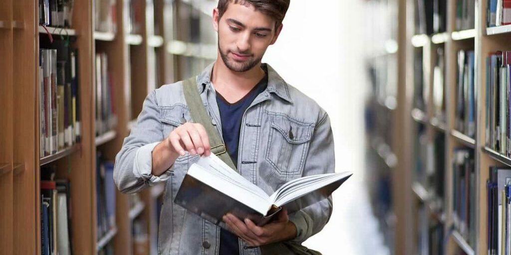 student-3500990_1280